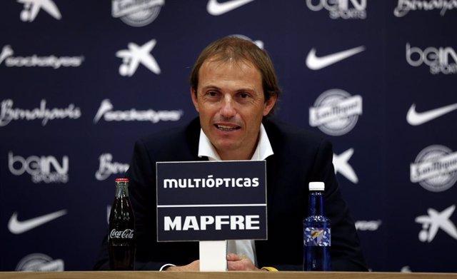 Archivo - Francesc Arnau, entrenador del Málaga