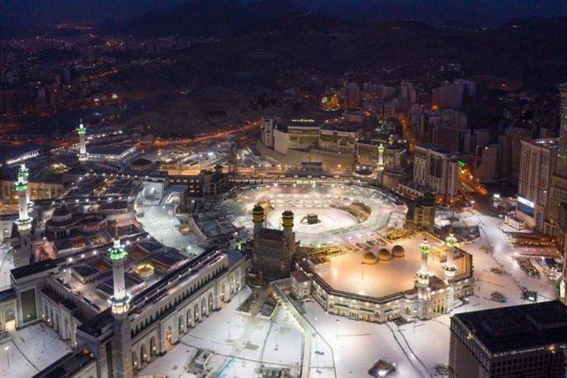 Archivo - Vista aérea de la Gran Mezquita de La Meca durante la pandemia de coronavirus en Arabia Saudí
