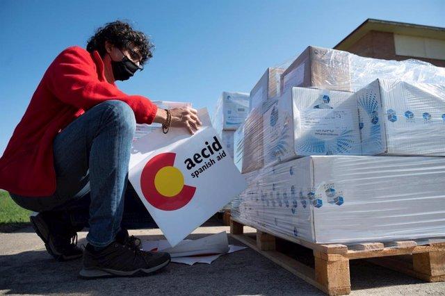 Archivo - Envío de ayuda humanitaria de AECID