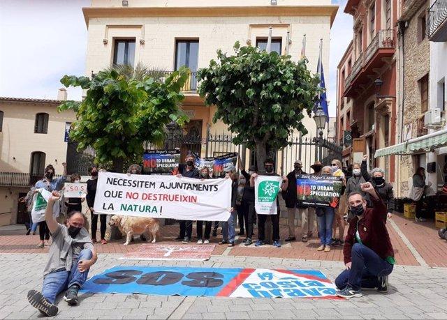 Protesta d'Ecologistes en Acció de Catalunya a Begur (Girona)