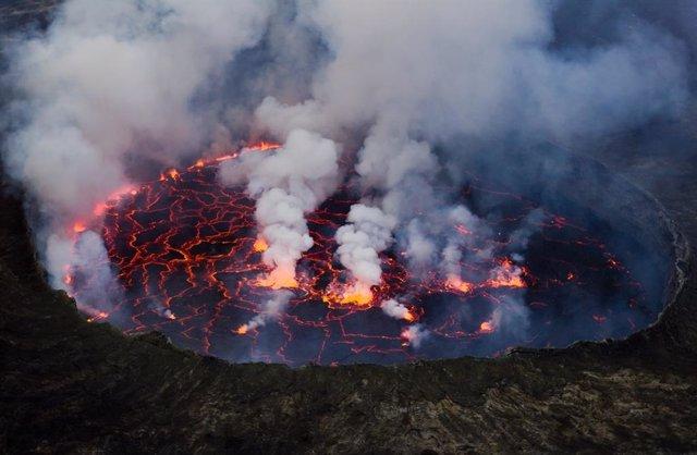 Archivo - Lago De Lava Del Volcán Nyiragongo