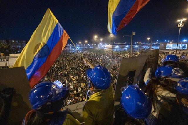 Manifestación durante el paro nacional indefinido contra el Gobierno en Colombia