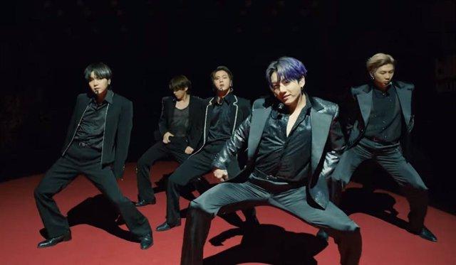 BTS interpreta Butter por primera vez en directo en los Billboard Music Awards 2021