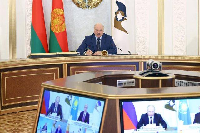 Alexander Lukashenko, presidente de Bielorrusia, durante una reunión con líderes regionales