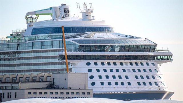 Archivo - El megacrucero 'Odyssey of the Seas', en una imagen de archivo.