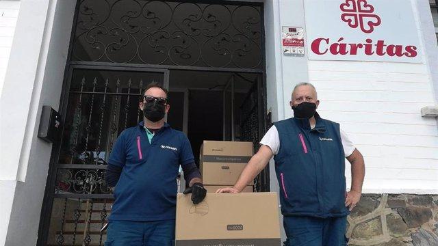 Donación de mascarillas a Cáritas.