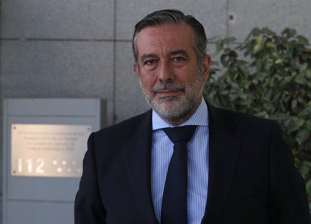 El conseller de Justícia, Interior i Víctimes en funcions de la Comunitat de Madrid, Enrique López, posa a la càmera a l'edifici de l'Agència de Seguretat i Emergències Madrid 112 , a 20 de maig de 2021, a Pozuelo de Alarcón, Madrid, (Espanya).