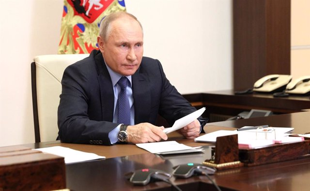 HANDOUT - 20 May 2021, Russia, Moscow: Russian president Vladimir Putin chairs a meeting of the Russian Pobeda (Victory) Organising Committee. Photo: -/Kremlin/dpa - ATTENTION: editorial use only and only if the credit mentioned above is referenced in ful