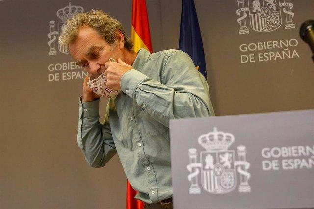 El director del Centro de Alertas y Emergencias Sanitarias (CAES), Fernando Simón a su llegada a una rueda de prensa para informar sobre el avance de la pandemia por COVID-19, a 17 de mayo de 2021, en Madrid (España). Durante la rueda de prensa, Simón ha