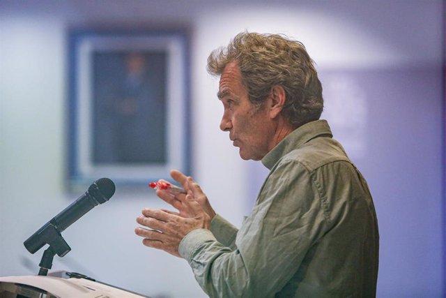 El director del Centro de Alertas y Emergencias Sanitarias (CAES), Fernando Simón durante una rueda de prensa para informar sobre el avance de la pandemia por COVID-19, a 17 de mayo de 2021, en Madrid (España). Durante la rueda de prensa, Simón ha informa
