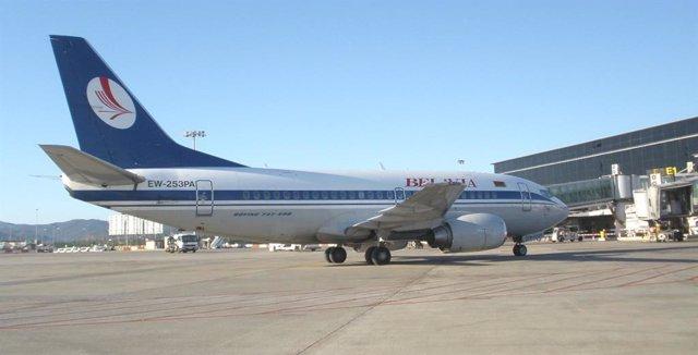 Archivo - Avión de Belavia Belarusian Airlines