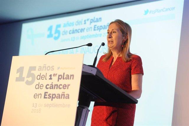 Archivo - La presidenta del Congreso de los Diputados y exministra de Sanidad, Ana Pastor, ha inaugurado la jornada 15 años del Primer Plan del Cáncer en España.