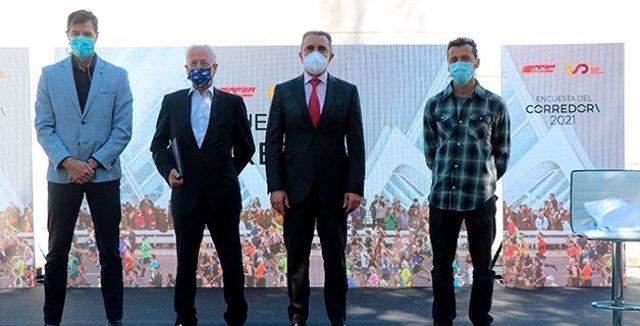 El presidente de la RFEA, Raúl Chapado, y el secretario de estado para el Deporte, José Manuel Franco, presentan los resultados de la 'Encuesta del Corredor' 2021.