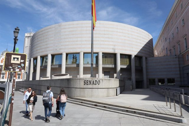 Archivo - Arxiu - Façana exterior del Senat a Madrid.