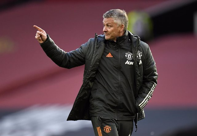 11 May 2021, United Kingdom, Manchester: Manchester United manager Ole Gunnar Solskjaer gestures after the English Premier League soccer match between Manchester United and Leicester City at old Trafford. Photo: Peter Powell/PA Wire/dpa