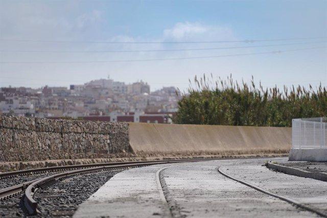 El Port de Tarragona acaba les obres de millora de les vies de tren del Moll de Castella.