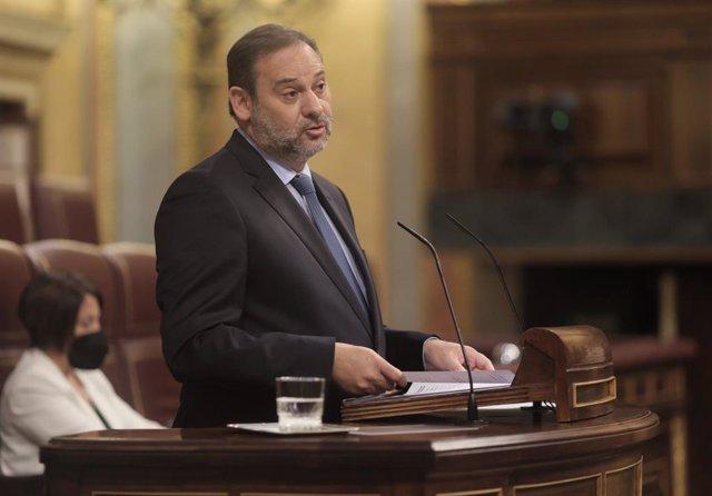 El ministre de transports, José Luis Ábalos, en una sessió de control.