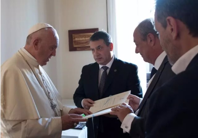 Guillermo Whpi con el Papa en 2017