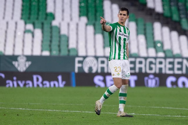 Archivo - Aissa Mandi of Real Betis during the Copa del Rey Quarter-Final match between Real Betis and Athletic Club at Benito Villamarin Stadium on February 04, 2021 in Sevilla, Spain.