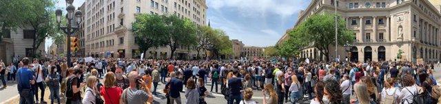 Unes 2.500 persones es concentren a Barcelona en protesta de l'ERE a BBVA