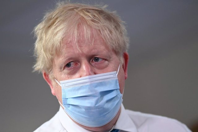 27 May 2021, United Kingdom, Colchester: UKPrime Minister Boris Johnson visits the Colchester Hospital in Essex. Photo: Glyn Kirk/PA Wire/dpa
