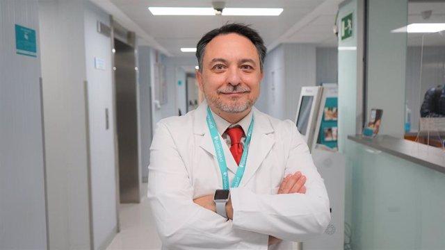 El jefe de servicio de Neurología y Neurofisiología del Hospital La Luz de Madrid, David Pérez Martínez