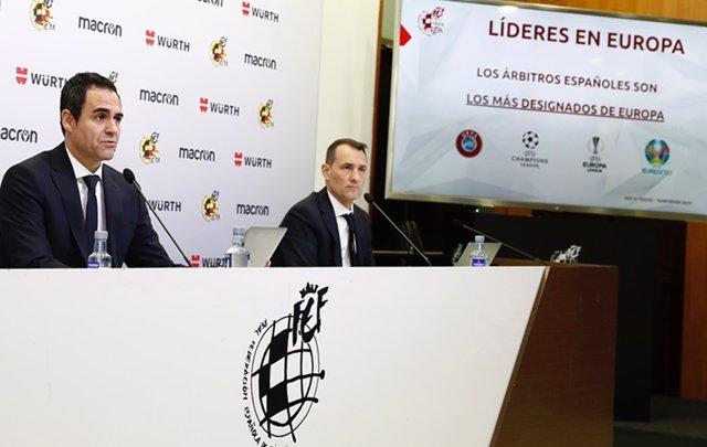 Archivo - Velasco Carballo junto a Clos Gómez en una rueda de prensa del CTA