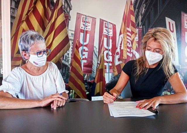 Arxiu - Signatura de l'acord de col·laboració entre la UGT de Catalunya i AEMATS.