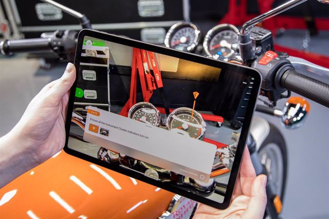 With PTC's Vuforia Instruct, enterprises can leverage 3D CAD data to easily create, deliver, and scale interactive AR work instructions