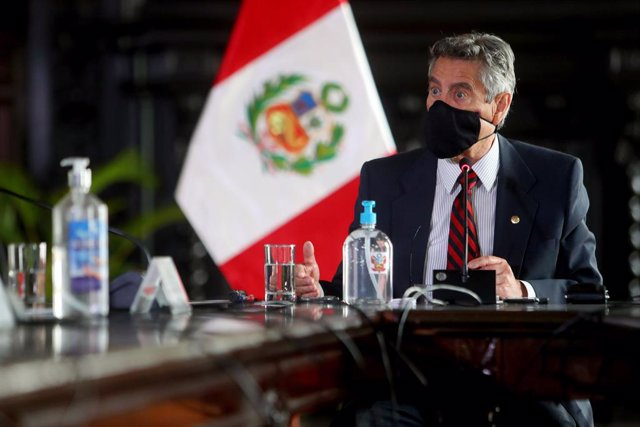 Archivo - HANDOUT - 24 November 2020, Peru, Lima: Francisco Sagasti, acting president of Peru, chairs the first session of the Council of State to form a new government. Sagasti assumed the presidency after months of political tension that led to the depa