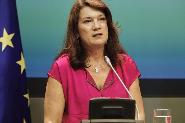 Archivo - La ministra de Asuntos Exteriores de Suecia, Ann Linde, interviene durante la reunión con la ministra de Asuntos Exteriores, Unión Europea y Cooperación, Arancha González Laya, en el Palacio de Viana, Madrid (España), a 7 de julio de 2020.