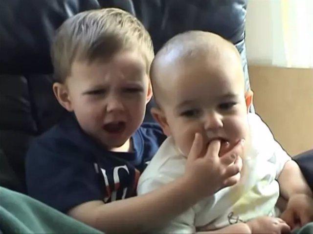 Imagen del vídeo 'Charlie bit my finger'