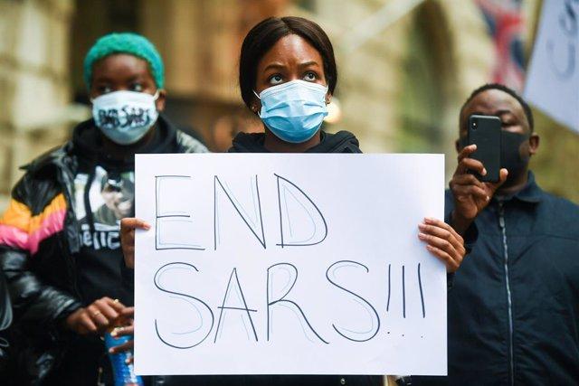 Archivo - Protesta contra una unidad de la Policía de Nigeria acusada de abusos y asesinatos