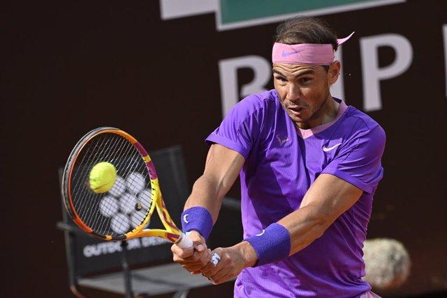 15 May 2021, Italy, Rome: Spanish tennis player Rafael Nadal in action against US Reilly Opelka during their men's semi final singles tennis match of the Italian Open tennis tournament. Photo: Fabrizio Corradetti/LaPresse via ZUMA Press/dpa