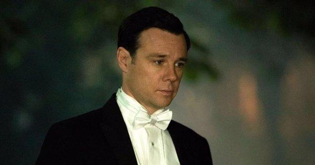 Rupert Evans será el patriarca de los Bridgerton en la temporada 2