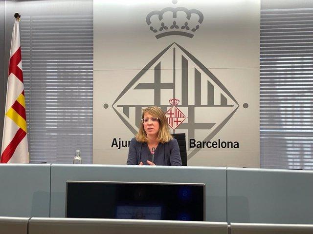 La tinent d'alcalde d'Urbanisme de Barcelona, Janet Sanz, en una roda de premsa aquest divendres.