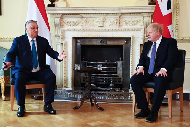 28 May 2021, United Kingdom, London: UK Prime Minister Boris Johnson (R)meets with Hungarian Prime Minister Viktor Orban at 10 Downing Street. Photo: Leon Neal/PA Wire/dpa