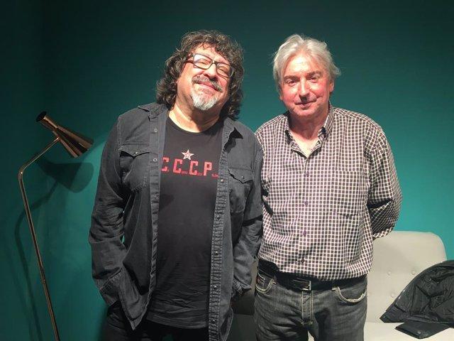 El músic i cantautor Pep Sala i el mánager i lletrista Joan Capdevila, autors de 'Quina nit. El disc que va canviar els nostres vinyes' (Rosa dels Vents)