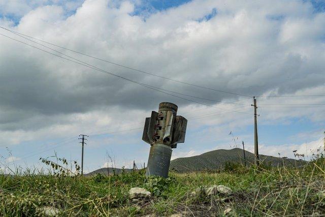 Archivo - Un cohete disparado por Azerbaiyán durante los enfrentamientos en Martuni, en la disputada región de Nagorno Karabaj
