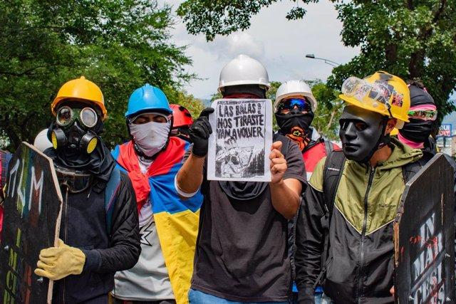 Manifestantes en Medellín, Colombia
