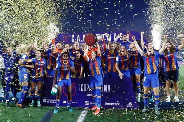 El Barça Femení logra el triplete y se equipara al equipo masculino
