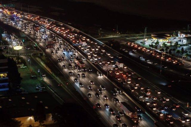 El tráfico es una de las principales fuentes de gases de efecto invernadero