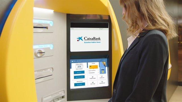 CaixaBank desplega una nova plataforma tecnològica als caixers per adaptar-los a l'app.