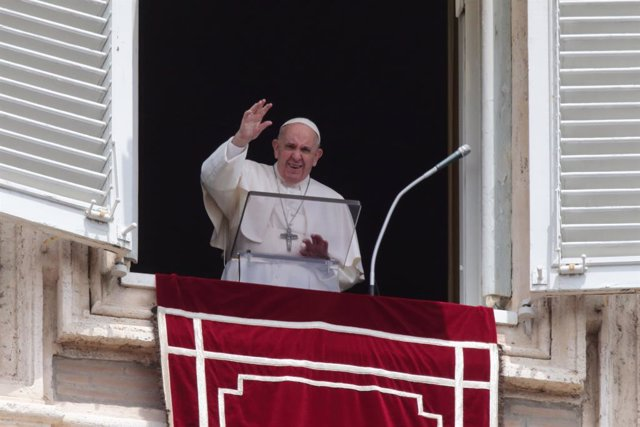 30 May 2021, Vatican, Vatican City: Pope Francis delivers the Regina Caeli prayer form the window overlooking St. Peter's Square at the Vatican. Photo: Evandro Inetti/ZUMA Wire/dpa
