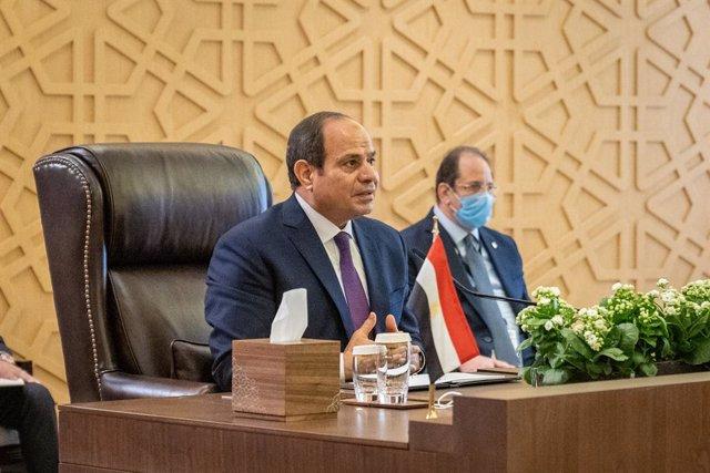 Archivo - El presidente de Egipto, Abdelfatá al Sisi