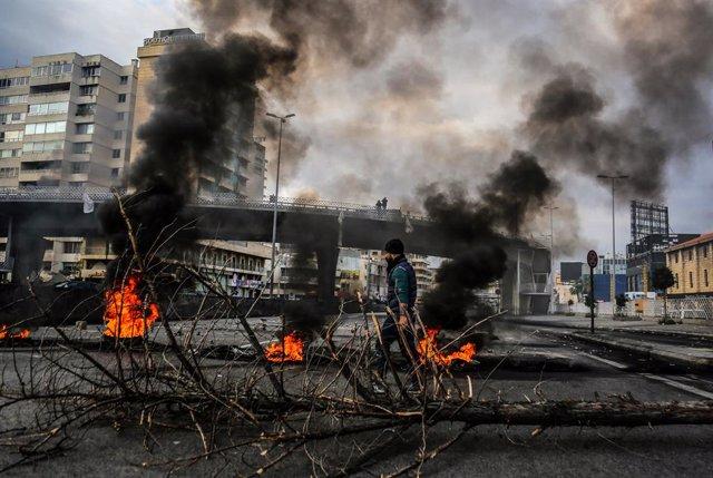 Archivo - Protesta en Líbano a causa de la crisis económica