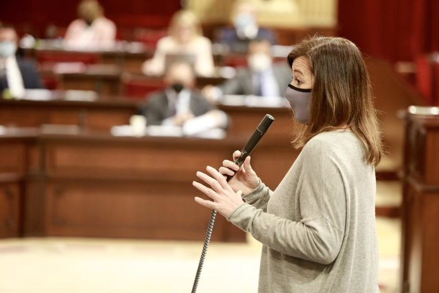 Archivo - Arxiu - La presidenta del Govern de les Illes Balears, Francina Armengol, durant una intervenció al Parlament.