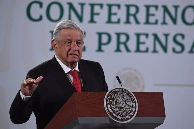 Archivo - El presidente mexicano, Andrés Manuel López Obrador, en rueda de prensa