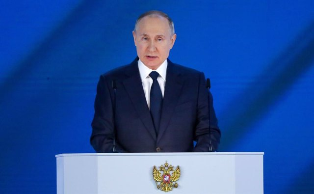 Archivo - HANDOUT - 21 April 2021, Russia, Moscow: Russian Presidtnt Vladimir Putin delivers his annual State of the Nation address at the Moscow Manege. Photo: -/Kremlin /dpa - ATTENTION: editorial use only and only if the credit mentioned above is refer