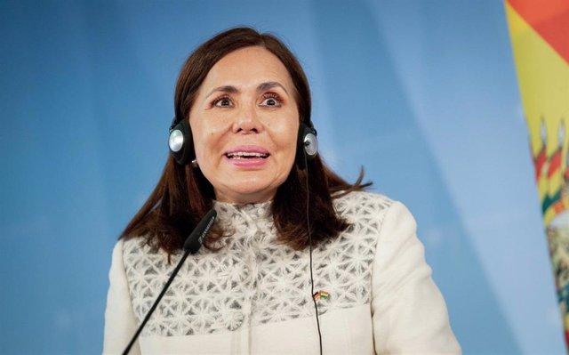 Archivo - La ministra de Exteriores de Bolivia, Karen Longaric